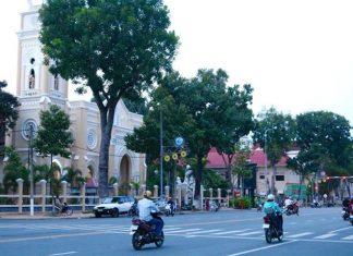 Chiều Chủ Nhật   Góc Hùng Vương - Nguyễn Trãi