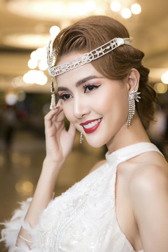 Trả lời nghi vấn, Phan Thị Mơ cho biết hôn nhân là sự đồng điệu từ hai tâm hồn, bản thân cô không cưỡng cầu mà để tùy duyên.