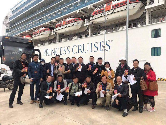Hướng dẫn Việt trên du thuyền 64 người nhiễm corona không cách ly cộng đồng