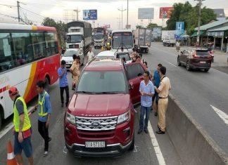 4 ô tô tông nhau trên đường dẫn cao tốc TP.HCM – Trung Lương