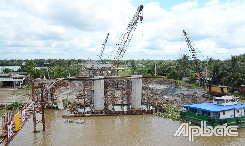các nhà thầu đang nỗ lực thi công để đưa Dự án thông tuyến vào cuối năm 2020.