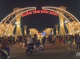 Đèn trang trí và tiểu cảnh tại Quảng trường Trung tâm tỉnh Tiền Giang bắt đầu mở cửa vui Xuân, đón Tết