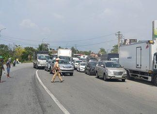 Tiền Giang: Xe đầu kéo va chạm xe máy tại dốc cầu Kinh Xáng, một người không qua khỏi