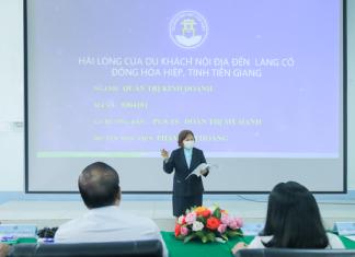 Người phụ nữ 71 tuổi 4 năm đi xe buýt từ Tiền Giang lên TP.HCM học thạc sĩ